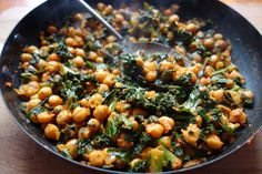 chickpea and kale curry – Meera Sodha Kale Recipe Indian, Indian Food Recipes, Real Food Recipes, Indian Foods, Kale Recipes, Curry Recipes, Vegetarian Recipes, Gf Recipes, Vegan Vegetarian