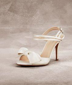 Sapatos de noiva em cetim SVETLANA   Pronovias
