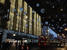 Impressive Christmas lights by John Lewis & House of Fraser along Oxford Street #Christmas #Sparkle #Shopping