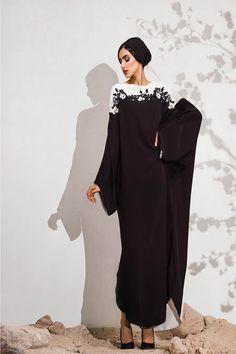 nice details mauzan abaya                                                                                                                                                      More Abaya Style, Hijab Style, Turban Style, Abaya Designs, Kurti Neck Designs, Muslim Women Fashion, Arab Fashion, Modest Fashion, Abaya Dubai