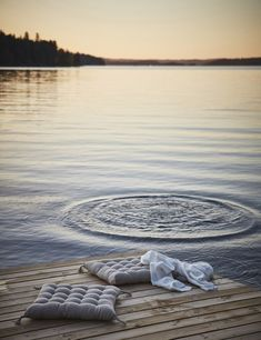 〚 Cozy Swedish house overlooking the lake 〛 ◾ Photos ◾Ideas◾ Design Summer Feeling, Summer Vibes, Summer Sunset, Images Instagram, Lake Photos, Photo Images, Swedish House, Summer Dream, Lake Life
