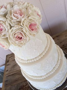 Round Wedding Cakes - My very first ever wedding cake!!! There are 18 gumpaste roses on it!!