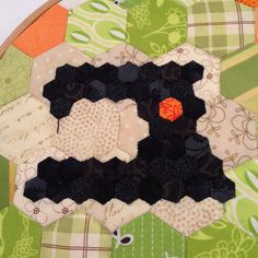 teeny hexie sewing machine appliqued onto larger hexagons by Krista of Krista Stitched Quilting Projects, Quilting Designs, Sewing Projects, Quilting Ideas, Hexagon Pattern, Hexagon Quilt, Quilt Studio, Miniature Quilts, Small Quilts