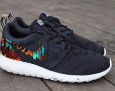 Ready to Ship Men 11 Nike Roshe Run Black White por NYCustoms