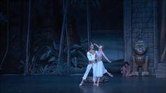 Irina Kolesnikova and Denis Rodkin (Bolshoi Ballet) in La Bayadere