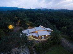 fournier-rojas-arquitectos-community-center-of-el-rodeo-de-mora-costa-rica-designboom-02