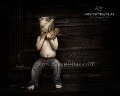Peek a Boo Toddler style...Cute pic idea =) Max loves peekaboo