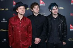 | 5SOS HIT THE RED CARPET WITH MIKEY'S NEW HOT HAIR  HAIRCUT | http://www.boybands.co.uk