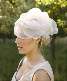 Find another reason to wear a fascinator. Flower Veil, Flower Headpiece, Fascinator Hats, Fascinators, Romantic Wedding Hair, Birdcage Wedding, Wedding Bun, Wedding Veils, Wedding Things