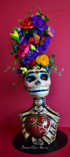 Day of the Dead Skull Mexico Day Of The Dead, Day Of The Dead Mask, Day Of The Dead Skull, Memento Mori, Mexican Folk Art, Mexican Style, Mexican Celebrations, Sugar Skull Art, Sugar Skulls
