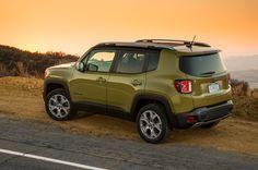 2015 Jeep Renegade Limited rear three quarter