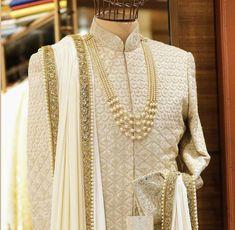 Groom serwani dress Sherwani For Men Wedding, Wedding Dresses Men Indian, Sherwani Groom, Mens Sherwani, Indian Bridal Outfits, Punjabi Wedding, Indian Weddings, Lehenga Wedding, Couple Wedding Dress