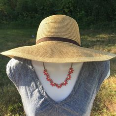 "Selling this ""Smith & Hawken Floppy Hat"" in my Poshmark closet! My username is: mariellelauren. #shopmycloset #poshmark #fashion #shopping #style #forsale #Smith & Hawken #Accessories"
