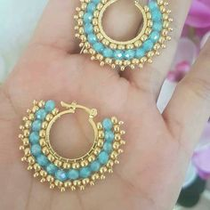 how to make basic beaded hoop earrings using circular brick stitch. Fabric Jewelry, Beaded Jewelry, Handmade Jewelry, Beaded Necklace, Beaded Bracelets, Beaded Earrings Patterns, Seed Bead Earrings, Diy Earrings, Hoop Earrings