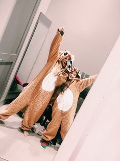 VSCO - crazybrooksy Onesies - VSCO – crazybrooksy Onesies Source by - Bff Pics, Cute Friend Pictures, Friend Photos, Cute Photos, Best Friend Fotos, My Best Friend, Fun Sleepover Ideas, Best Friend Photography, Cute Friends