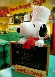 I love eating at the Warm Puppy café. I wish my kitchen had all the fun snoopy memorabilia.