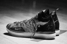 detailed look 40499 e3ec6 Kevin Durant s latest signature shoe, the Nike features a comfortable,  broken-in feel, with a Flyknit upper atop Nike React and Zoom