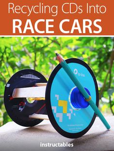 Build simple race cars out of old CDs. Diy Wood Projects, Projects For Kids, Diy For Kids, Crafts For Kids, Recycled Cds, Upcycled Crafts, Robots For Kids, Kids Toys, Stem Activities