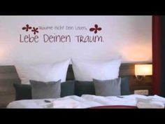 Hotel Schmitz Glückauf - Hahnenklee Bockswiese - Visit http://germanhotelstv.com/schmitz-gla1-4ckauf Situated just a 10-minute drive away from Goslar Hotel Schmitz Glückauf in Hahnenklee-Bockswiese boasts a lush garden and free WiFi. It is a 20-minute drive from the Harz National Park. -http://youtu.be/5ZE_Rojthn0