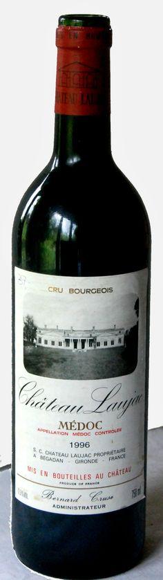 28. Mai 2014  --  Château Laujac: Laujac 1996, Cru Bourgeois, Médoc, Bordeaux, Frankreich - Das Alter ist ein Zustand und nicht ein Verdienst. Dies gilt jedenfalls für den Wein, auch für den Bordeaux. Obwohl die Trinkreife oft zu erdauern ist – also verdient werden muss – garantiert sie noch lange nicht wirklichen Trinkspass. Natürlich, auch der Bordeauxliebhaber weiss genau – ein jeder Wein – auch der beste – erreicht einmal seinen Höhepunkt und baut dann (langsam oder schnell) wieder ab.