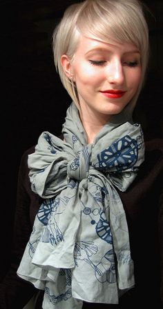 perfect scarf bow.