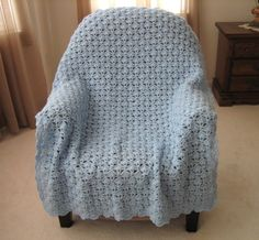 FROZEN-INSPIRED AFGHAN: Let It Go Frozen Blanket