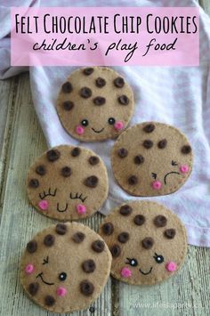 Felt Chocolate Chip Cookies -easy sew, and the perfect play food for kids to enjoy! Felt Chocolate Chip Cookies -easy sew, and the perfect play food for kids to enjoy! Sewing Projects For Kids, Sewing For Kids, Diy For Kids, Crafts For Kids, Felt Projects, Sewing Toys, Sewing Crafts, Diy Crafts, Sewing Hacks