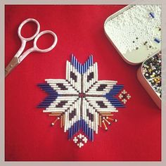 Bilderesultat for fanabunad brystduk Norwegian House, Folk Embroidery, Norway, Belts, Costumes, Band, Hardanger, Punto De Cruz, Dots