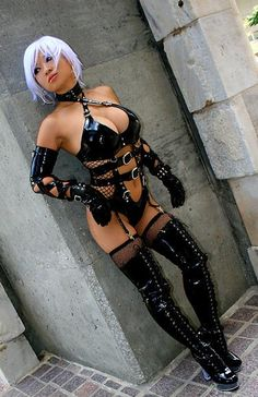 Amazing costume from Dead or Alive video game. I could see wearing this one myself, once I've lost a few pounds. ;-)