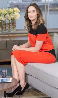 Emily Blunt promotes Into The Woods movie with James Corden Bollywood, Emily Blunt, Natural Face, Famous Women, Beautiful Actresses, American Actress, Beauty Women, Actors & Actresses, Beautiful Women