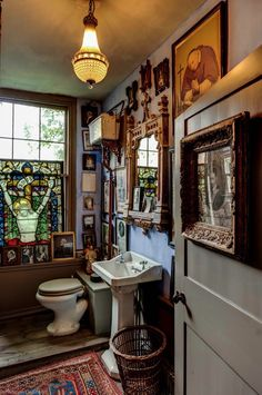 Love this bathroom! Philippe Debeerst At Malplaquet House