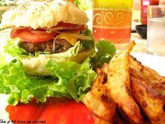 Recette de Hamburgers au boeuf et frites maison : la recette facile