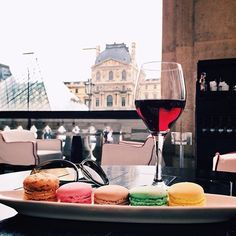 My kind of meal: Macarons & wine #repin