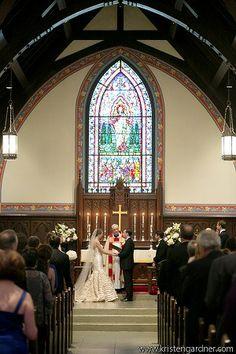 All Souls Episcopal DC #RealWedding #NationalCathedral #NationalCathedralSchool #ClassicWedding #BlackandWhiteWedding by Kristen Gardner Photography