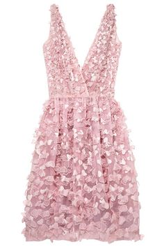 Bridesmaids? Rehearsal dinner? Absolutely lovely Oscar de la Renta dress. Sequin dress