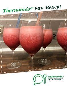Erdbeer-Kokos-Cocktail von LorriGlorri. Ein Thermomix ® Rezept aus der Kategorie Getränke auf www.rezeptwelt.de, der Thermomix ® Community.