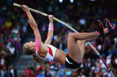 Atleta austriaca de salto con garrocha, queda parapléjica tras caída en entrenamiento.