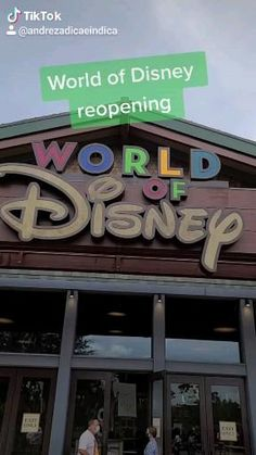 A loja World of Disney reabriu depois de mais de dois meses fechada e agora está aberta novamente ao público, mesmo com todas as restrições. #disney #disneyworld #disneysprings Downtown Disney, Disney Springs, Indiana Jones, Epcot, Magic Kingdom, Studios, Walt Disney World Orlando, Animal Kingdom, Disneyland