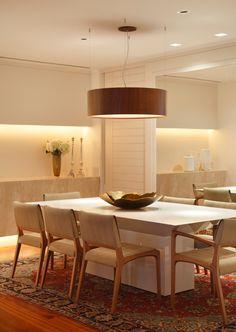 cozy space and beautiful lighting design Dining Room Design, Interior Design Kitchen, Dining Room Table, Interior Decorating, Room Deco, Dinner Room, Dream Decor, Ceiling Design, Decoration