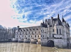 I don't know what is prettiest on this picture from @weifang.hung the castle or these clouds in the blue sky ☺ . . . . #france #france🇫🇷 #法國 #フランス #francia #프랑스 #prancis #skyporn #frança #франция #ฝรั่งเศส #fransa #pháp #visitfrance #travel #photo #photography #picoftheday #photooftheday #行きたい #beautyoffrance #francecommunity #castle #beautiful #お城 #igers #igersjp #igersfrance