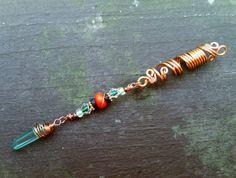 Pour rendre cette perle, jai utilisé du fil de cuivre naturel aménagée dans un style de filigrane. Le cuivre est ce que je considère « le
