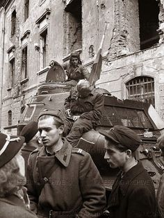 Hungarian Revolution 1956 Russian Revolution, Budapest Hungary, Historical Pictures, Cold War, Old Pictures, Vintage Photos, The Past, Retro, Wwii