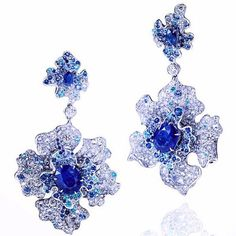 Chinese orchid earrings designed by Anna Hu. @annahuhautejoaillerie www.anna-hu.com