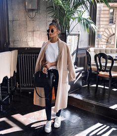 Gorgeous Fashion Trends To Copy Now – Fashion Looks 2019 Gorgeous Fashion Trends To Copy Now – Fashion Looks & Style Gorgeous Fashion Trends To Copy Now – Fashion Looks. Winter Fashion Outfits, Look Fashion, Autumn Winter Fashion, Fall Outfits, Womens Fashion, Fashion Trends, Fashion Ideas, Ootd Winter, Fashion Black
