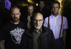 """#In primo piano:  Green room: Nazi vs punk ..il film a Cannes http://www.punkadeka.it/green-room-nazi-vs-punk-il-film-a-cannes/ """"Green room"""", il nuovo film di Jeremy Saulnier è stato presentatooggi al festival di Cannes.. dalle prime recensioni non sembra niente male per gli apassionati dei Thriller: """"L'incipit del nuovo film —Green room— èquasi geniale. Uno sguardo assonato riprende coscienza somm..."""