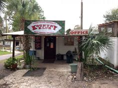 9 Unassuming Florida restaurants for great food - 4. Cherry Pocket Steak & Seafood Shak, Lake Wales