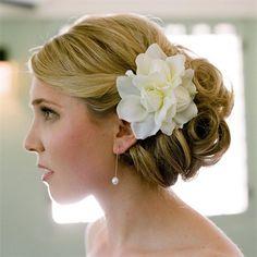 Classic Bridal Updo w gardenia Hajdíszek d754de0854