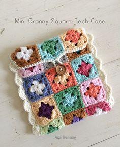 Mini granny square tech case tutorial. SugarBeans.org