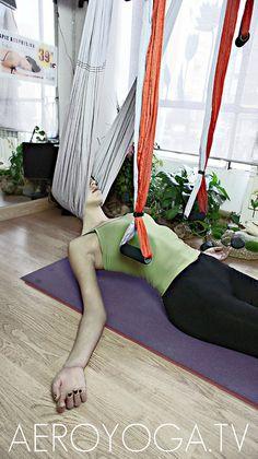 Aerial yoga, aerial yoga theraphy www.aerialyoga.tv Aero Yoga©  Tel  ( 00 34 )91 457 22 15 by yogacreativo, via Flickr