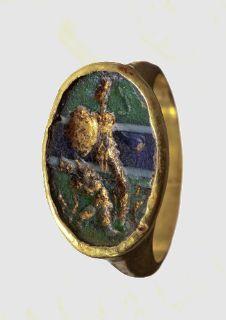 A Roman gold ring, 3rd-4th century A.D.